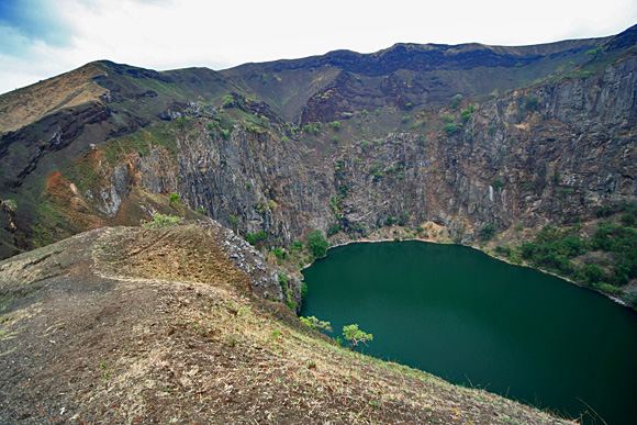 Lac mystique - voda v díře na kopci
