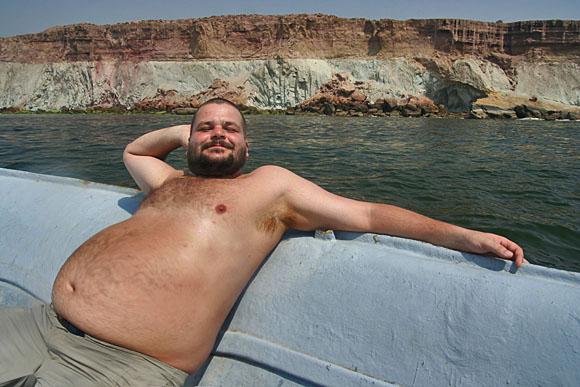Pan Lemiš se odhaluje krásám ostrova Larak